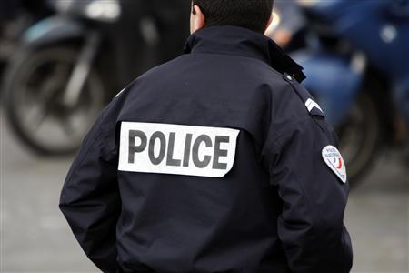 http://detentions.files.wordpress.com/2009/07/police.jpg